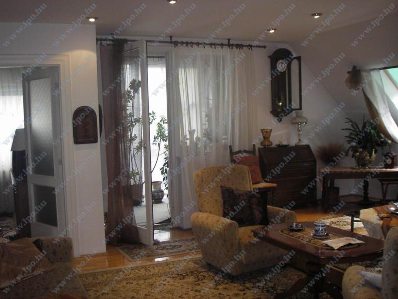 Eladó ház 2081 Piliscsaba Fő út 200m2 45M Ft Ingatlan kép: 1