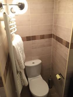 10102-2069-elado-lakas-for-sale-flat-1061-budapest-vi-kerulet-terezvaros-andrassy-ut-iii-emelet-3rd-floor-39m2-398.jpg