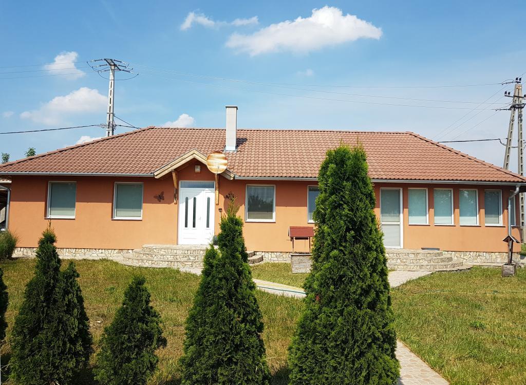 Eladó ház 8157 Füle Dózsa György utca 140m2 49,5M Ft Ingatlan kép: 1