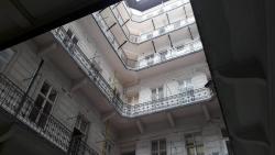 Eladó lakás 1054 Budapest Hold utca 86m2 72,9M Ft Ingatlan kép: 4