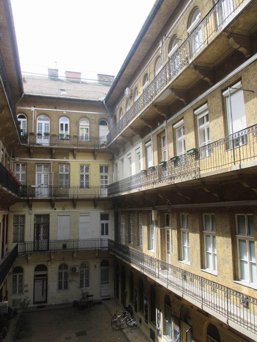 Eladó lakás 1073 Budapest Erzsébet körút 52m2 52M Ft Ingatlan kép: 1