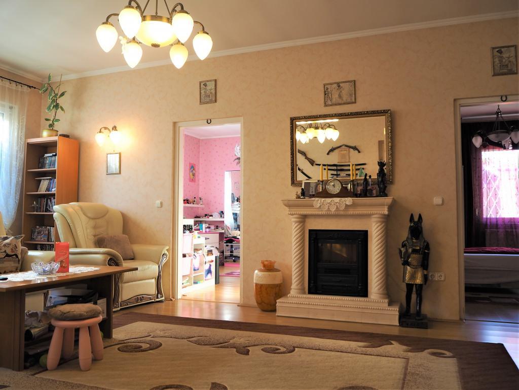 Eladó ház 1213 Budapest Szentmiklósi út 176m2 88,8M Ft Ingatlan kép: 1