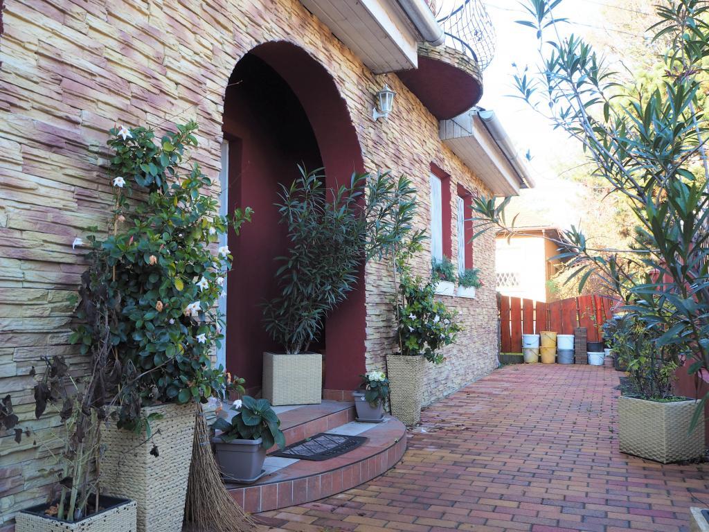 Eladó ház 1213 Budapest Szentmiklósi út 176m2 79M Ft Ingatlan kép: 1
