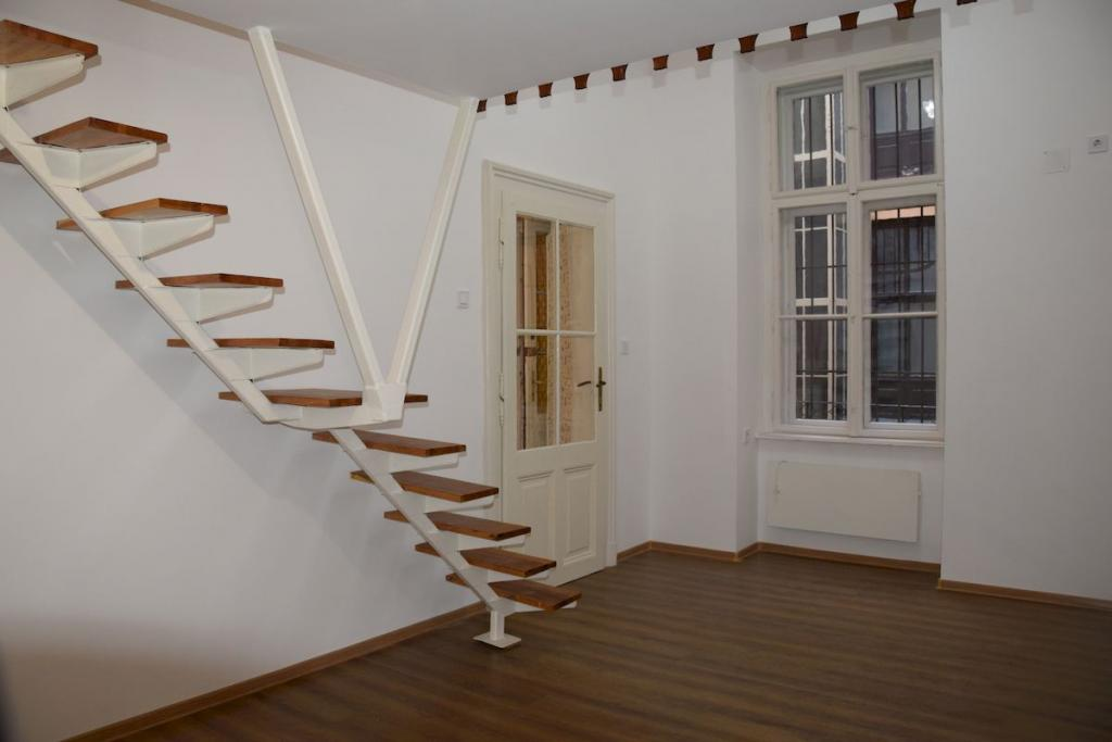 Eladó lakás 1061 Budapest Andrássy út 27m2 27,9M Ft Ingatlan kép: 1