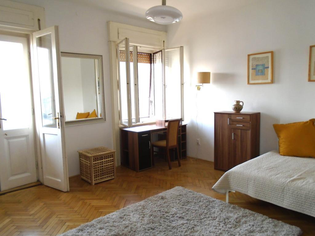 flat For rent 1056 Budapest Belgrád rakpart 30sqm 130000 HUF/month Property image: 1