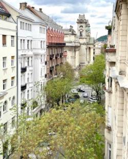 flat For rent 1055 Budapest Falk Miksa utca 80sqm 1600 €/month Property image: 2