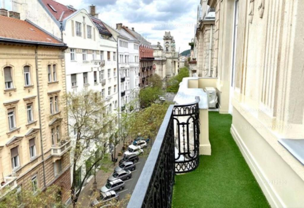 flat For rent 1055 Budapest Falk Miksa utca 80sqm 1600 €/month Property image: 1
